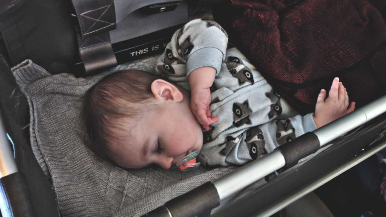9 Tips To Get Baby To Sleep On A Plane