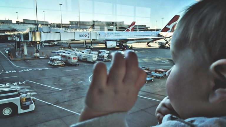 Guide to Stress Free Flying With a Baby